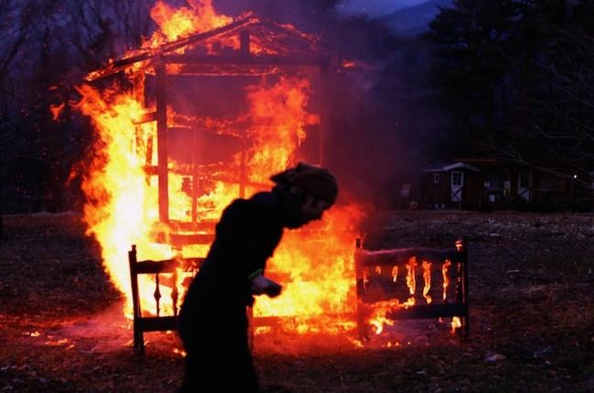 Tatsuya-Mukaiyama-paintings-burning
