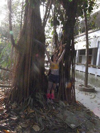 Banana, performance art, NIPAF art exchange project, Institute of fine art Chittagong University, Bangladesh, 2011